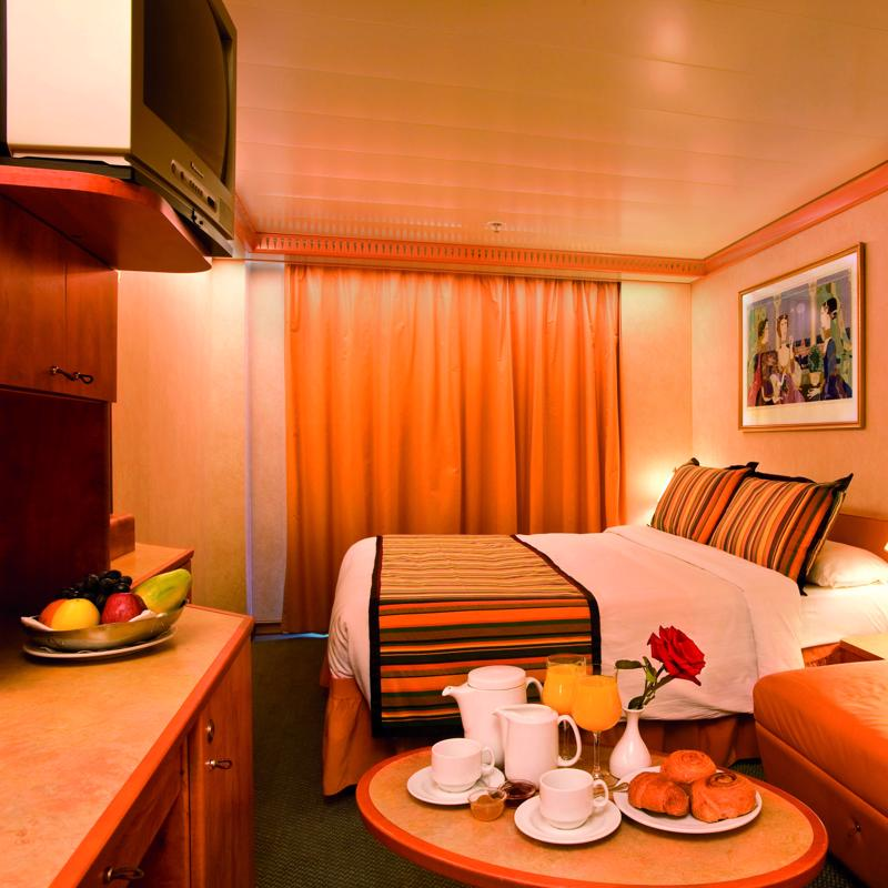 Outside Cabin (Obstructed view) - Costa Mediterranea