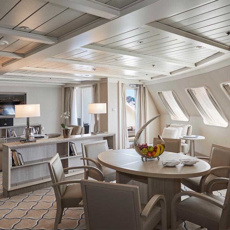 Owner's Suite - Silver Cloud