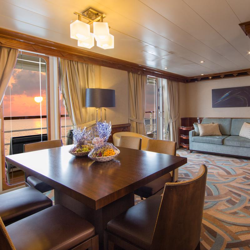 Deluxe Oceanview with Veranda - Disney Dream