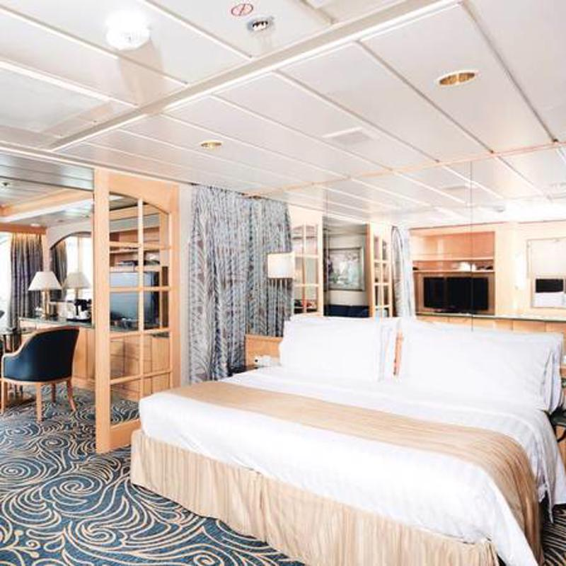 Executive Suite with Balcony - Marella Discovery