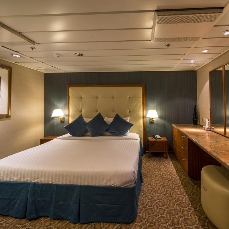 Royal Suite with Balcony - Pullmantur Sovereign
