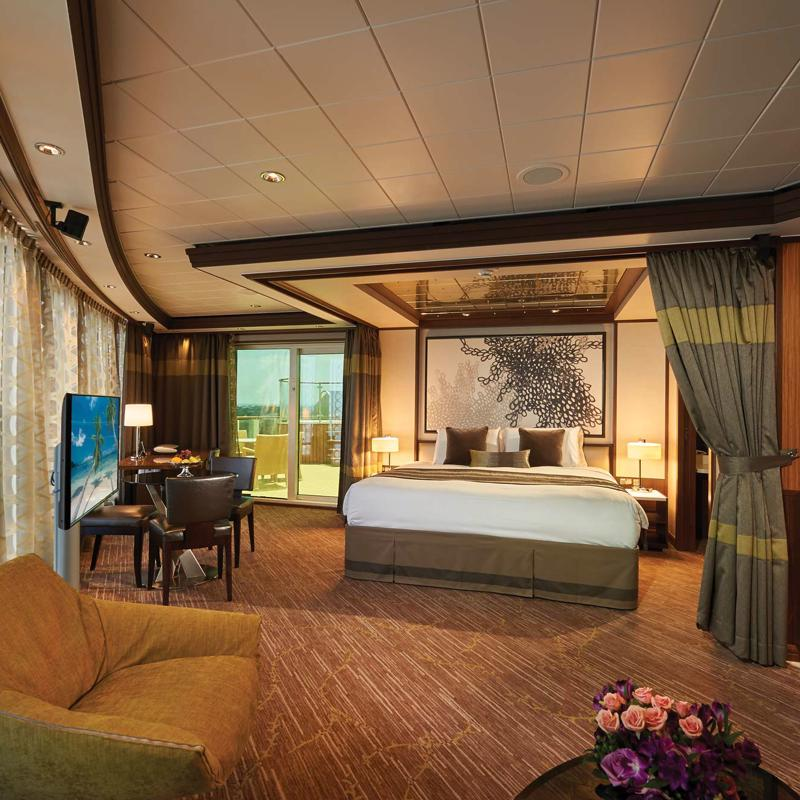 The Haven Deluxe Owners Suite with Large Balcony - Norwegian Jade
