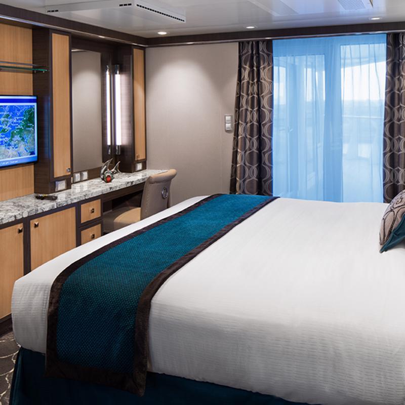 Spacious AquaTheater Suite 1 Bedroom - Harmony of the Seas