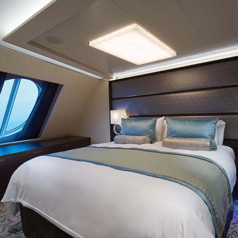 The Haven Forward-Facing Penthouse with Balcony - Norwegian Escape