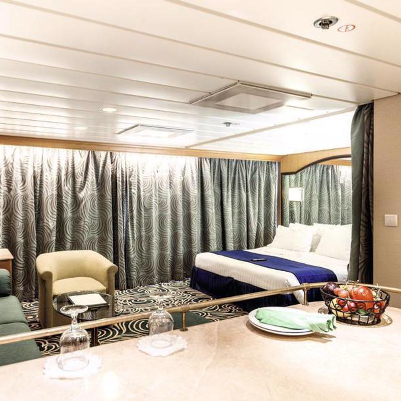 Grand Suite Cabin with Balcony - Marella Discovery 2