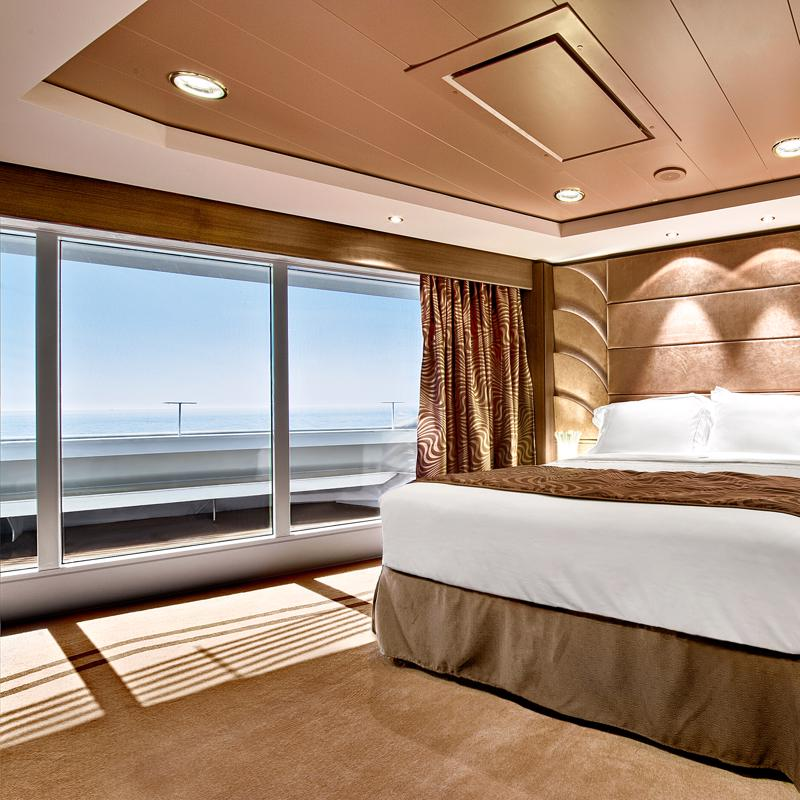Yacht Club Executive Suite - MSC Fantasia