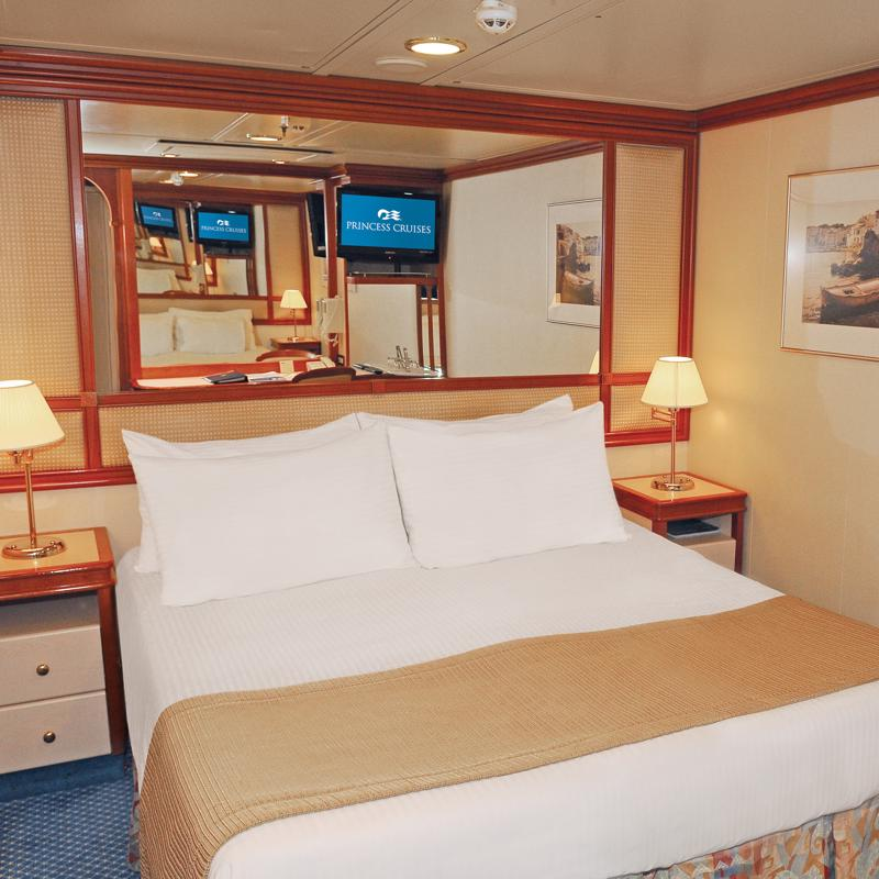 Interior cabin - Coral Princess