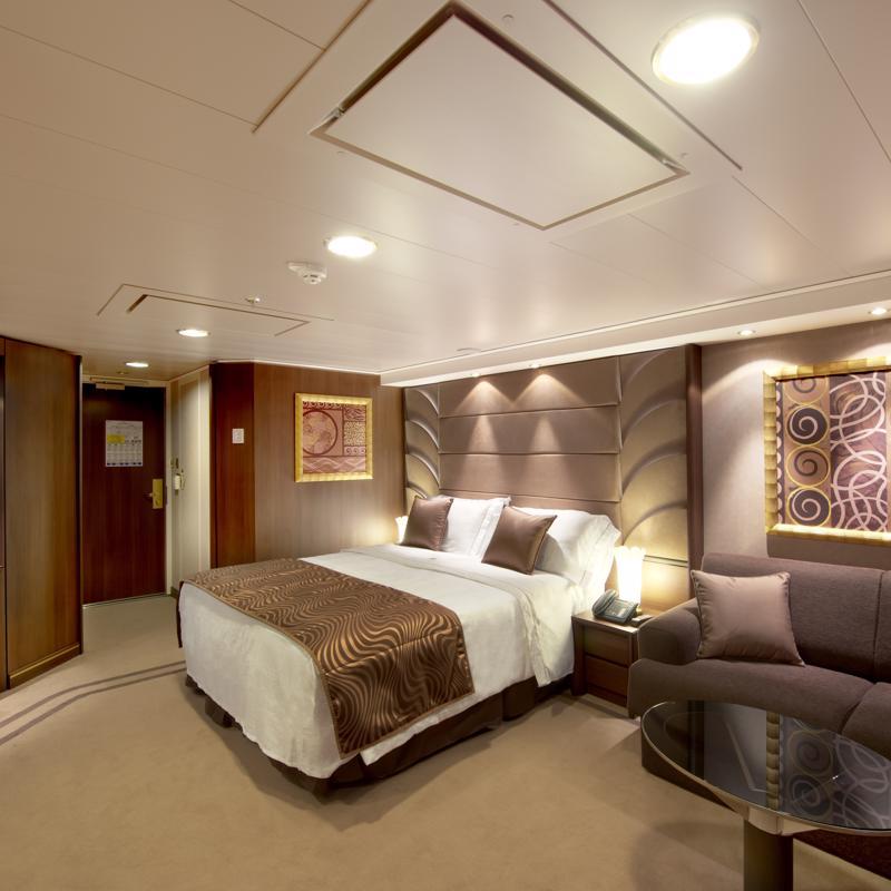 Yacht Club Deluxe Suite-MSC Divina