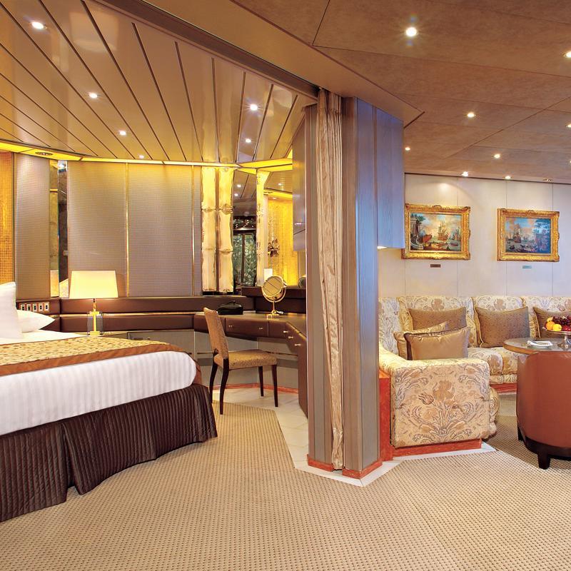 Pinnacle Suites - MS Eurodam