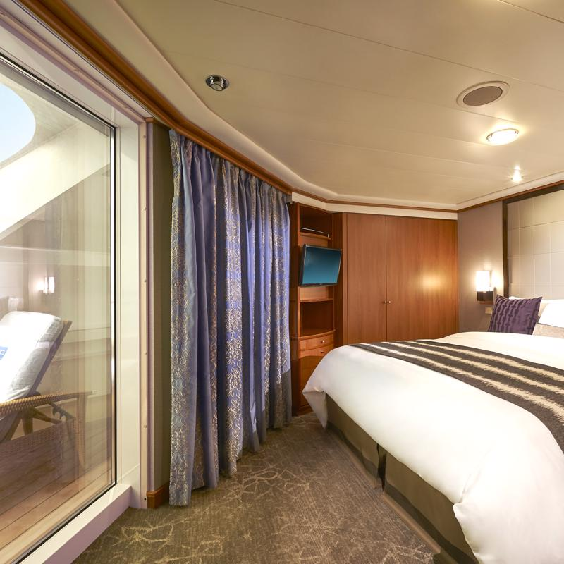 2-Bedroom Aft-Facing Family Suite with Balcony-Norwegian Sun