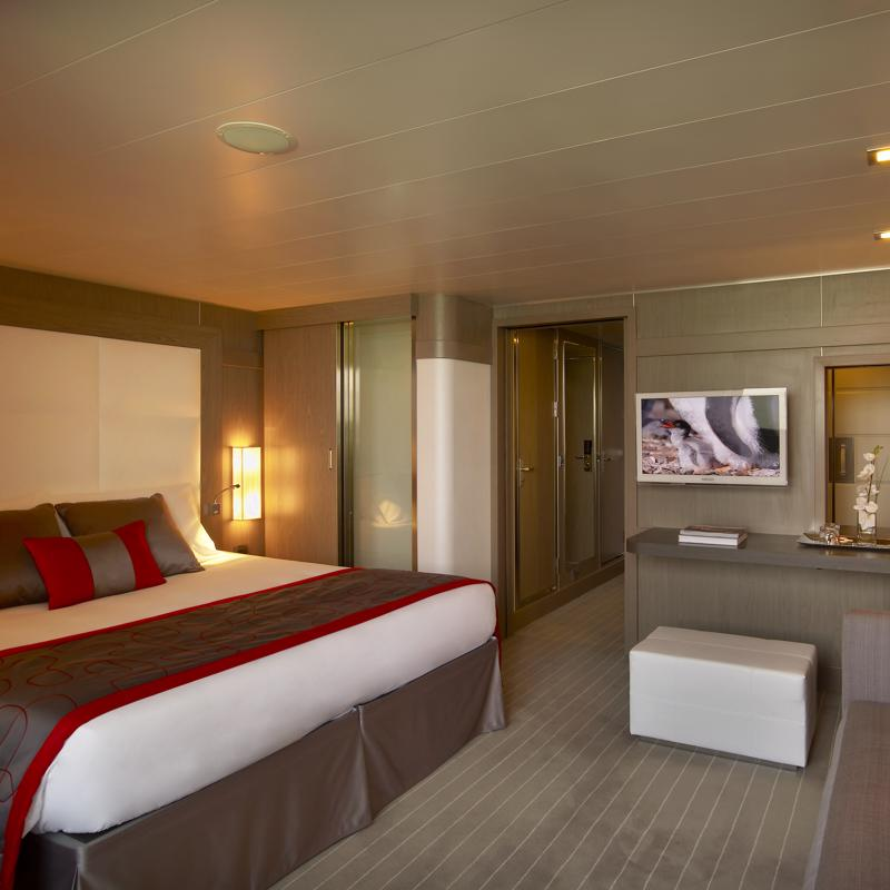 Deluxe Suite with Balcony - Le Boreal
