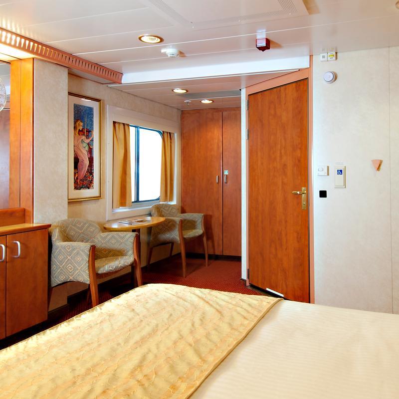 Interior Cabin with Window - Carnival Spirit