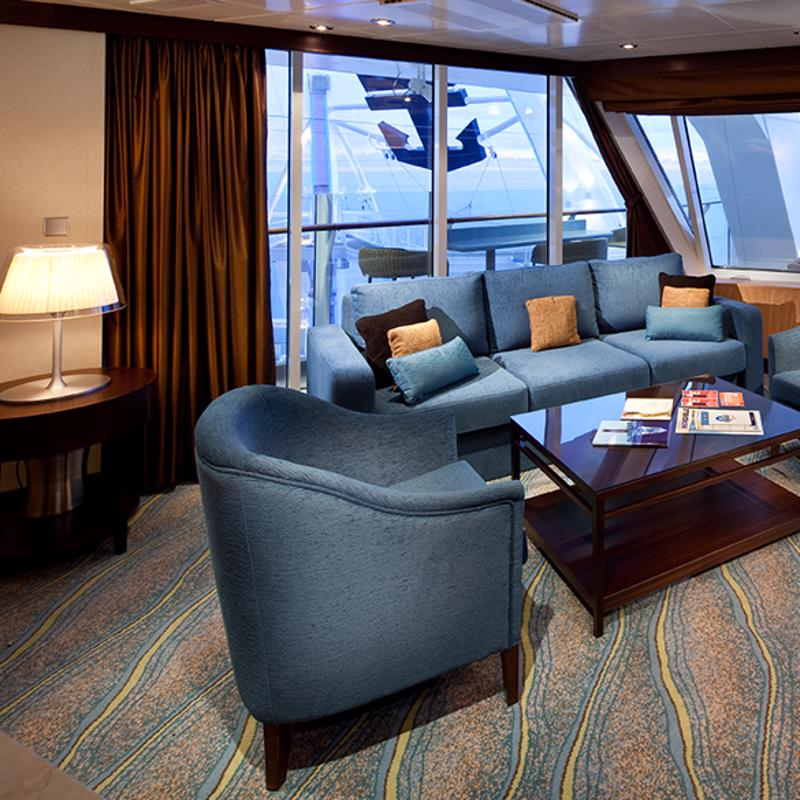 AquaTheater Suite - 1 Bedroom - Oasis of the Seas