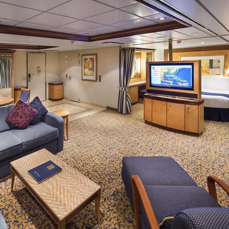 Owner's Suite 2 Bedrooms-Jewel of the Seas