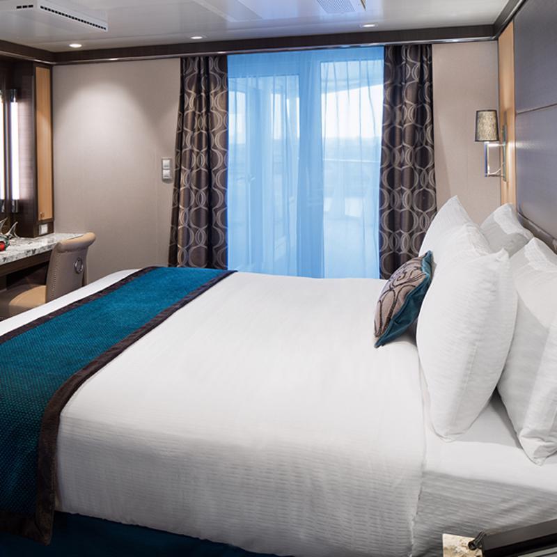 Spacious AquaTheatre Suite 1 Bedroom - Allure of the Seas