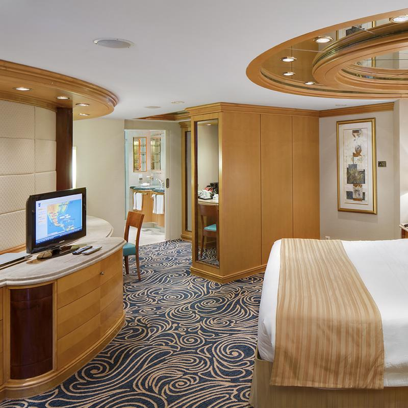 Royal Suite with Balcony - Enchantment of the Seas