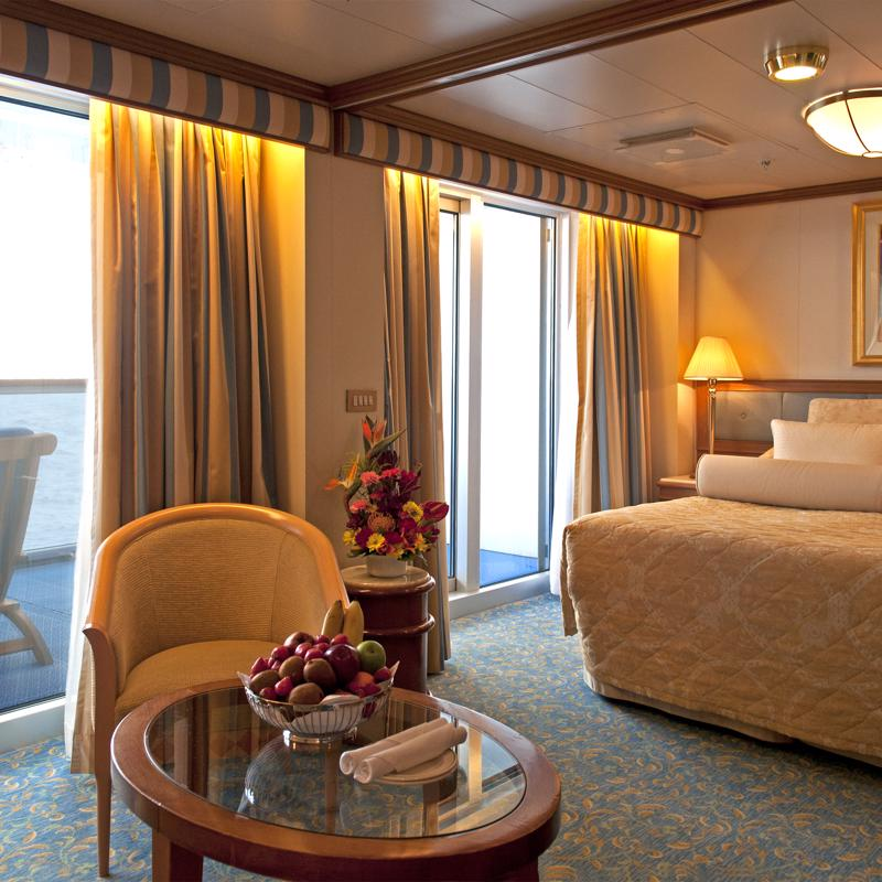 Owner's Suite - Diamond Princess