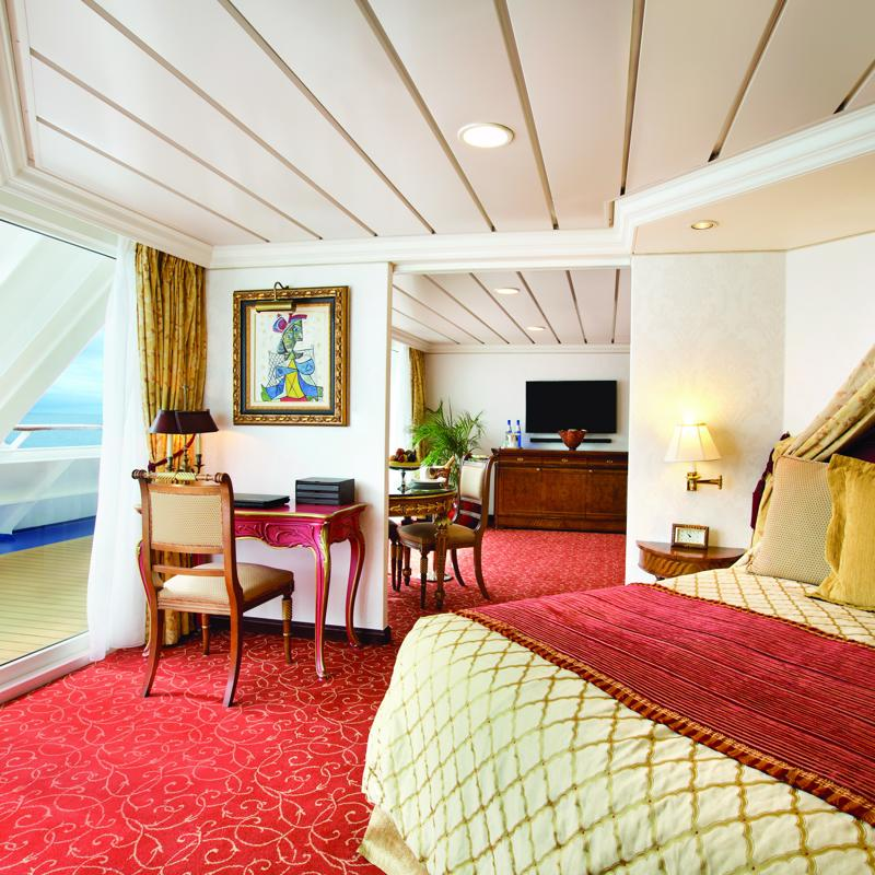 Owners Suite - Oceania Marina