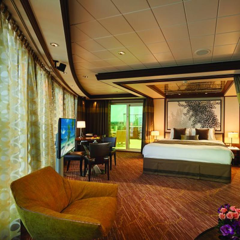 The Haven Owners Suite with Large Balcony - Norwegian Jade