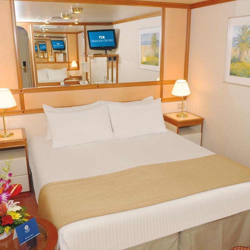 Interior Double cabin - Golden Princess