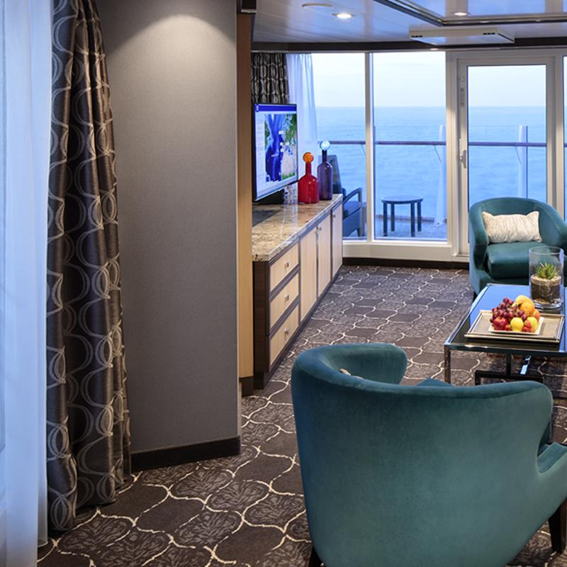 AquaTheater Suite Large Balcony 2 Bedrooms - Oasis of the Seas