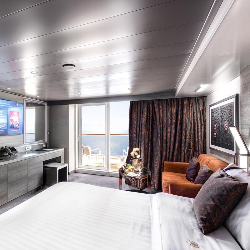 Yacht Club Royal Suite-MSC Meraviglia