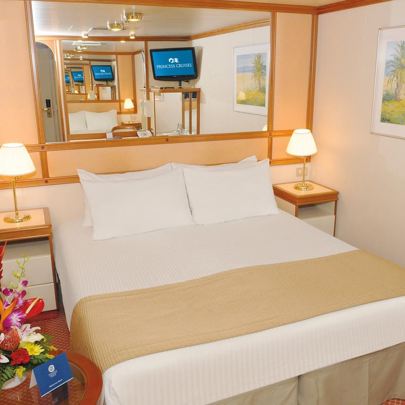 Interior Stateroom - Diamond Princess