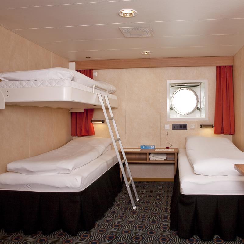 Porthole Triple Cabin - G Expedition