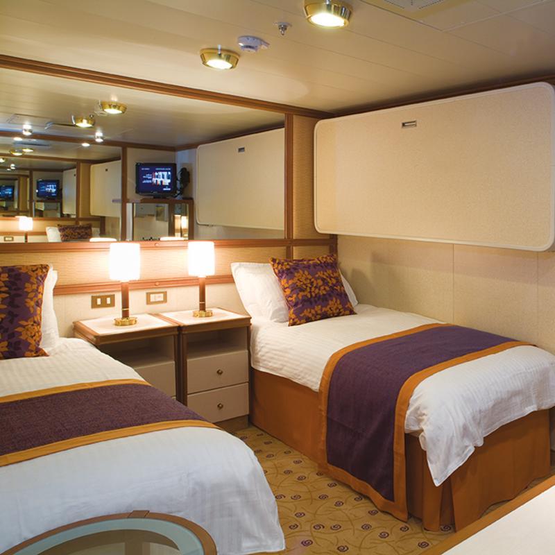 Cabins On Iona Iglucruise